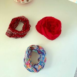 Accessories - Light Weight Infinity Scarves 🧣